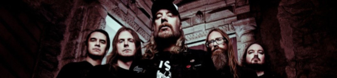 At The Gates: online il music video ufficiale di 'The Mirror Black' (ft. Rob Miller)